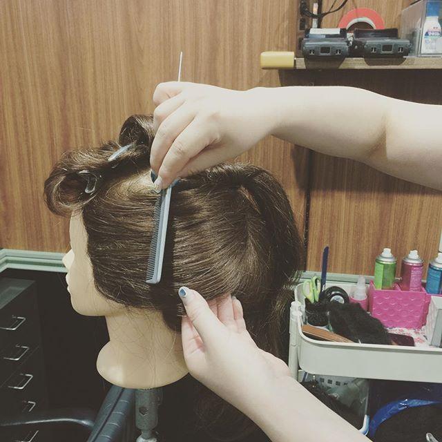 日本髪の練習中頑張れ#日本髪#新年#年初め練習中#4ヶ月#頑張れ#銀座#ヘアーセット#ヘアアレンジ#美容室#セット専門#スター美容室#銀座#並木通り#日本髪予約 - from Instagram