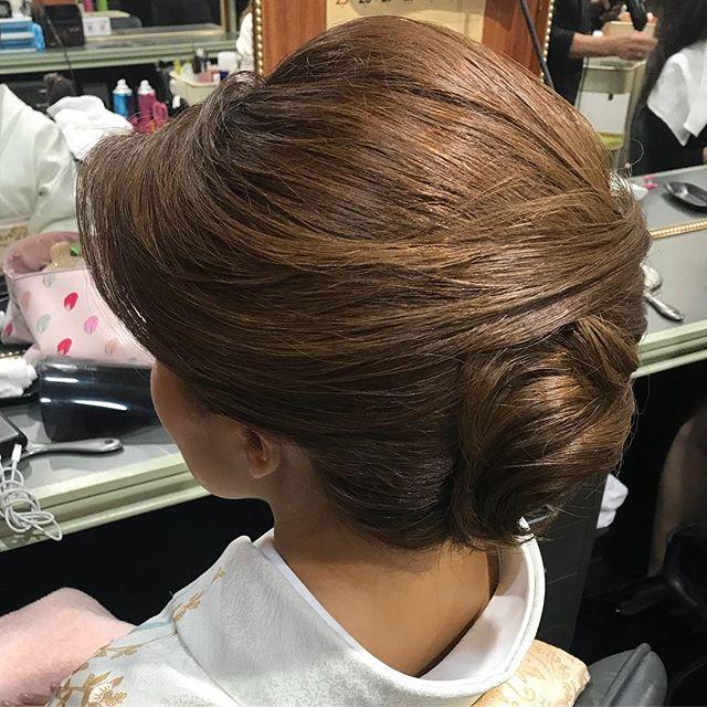 本日もご来店ありがとうございました後頭部にボリュームがある感じがご希望でした #銀座 #銀座美容室#銀座セットサロン#美容室#セットサロン#和髪#和装#和装ヘア#着物#着物ヘア#かんざし#簪#hairstyle #hairstyles #hairarrange #ヘアセット #スタッフ募集中︎ #スタッフ募集 #お客様 - from Instagram