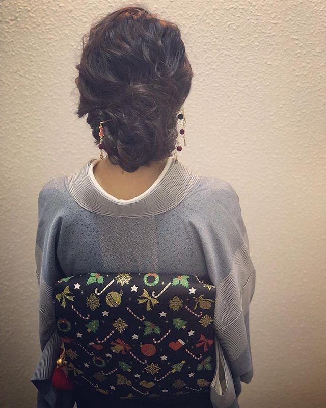 本日もご来店ありがとうございましたクリスマスバージョンのお着物と簪でのご来店第2弾です️とってもかわいいヘアセットも楽しく作らせて頂きまして、ありがとうございました️ #銀座#銀座美容室#美容室#銀座セットサロン#和装#和装ヘア#着物#着物ヘア#和髪#ゆるふわアレンジ #銀座ホステス#ホステス#hairstyle #hairstyles #hairarrange #お客様#スタッフ募集#スタッフ募集中#クリスマス#クリスマスパーティー - from Instagram