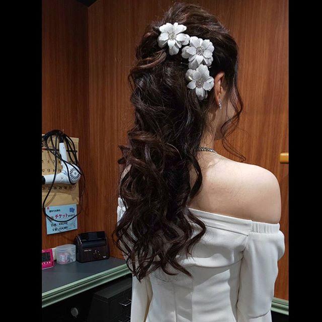 超ロングセクシーヘア#銀座#銀座美容室#美容室#ヘアアレンジ #銀座セットサロン#セットサロン #銀座ホステス#ホステス#hairstyle #hairstyles #hairarrange #ゆるふわアレンジ #ダウンヘア #パーティーヘア - from Instagram