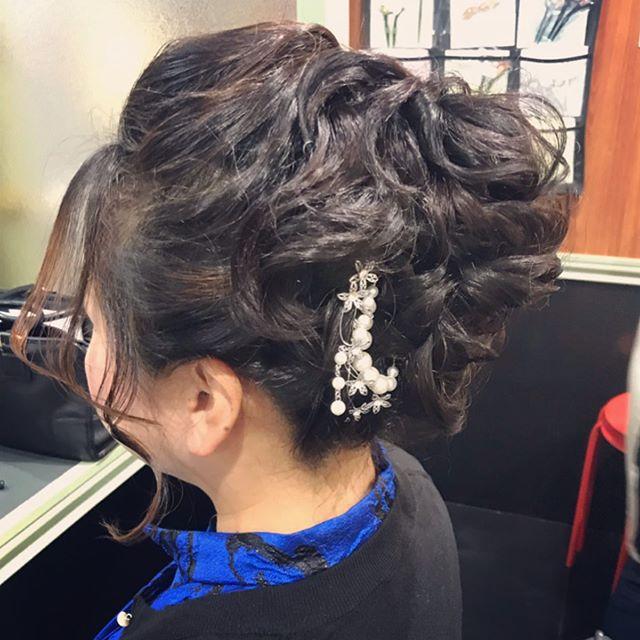 真ん中の高さのボリュームアップヘア#銀座#銀座美容室#銀座セットサロン#ginza#銀座ホステス#ホステス#ドレス#ドレスヘア#セットサロン#お客様#アップヘア#hairarrange #hairstyle #hairstyles #スタッフ募集#スタッフ募集中 - from Instagram