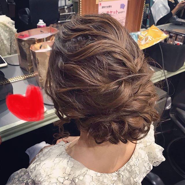 いつもご来店ありがとうございますゆるっとしたアップヘアです#銀座美容室 #銀座#ginza#銀座セットサロン#美容室#美容師#セットサロン#銀座ホステス#ホステス#hairstyle #hairstyles #hair #hairarrange #お客様#ヘアアレンジ#結婚式#結婚式ヘアアレンジ#ブライダルヘア #ブライダルヘアメイク #パーティーヘア #パーティードレス #アップヘア#ドレス#ドレスヘア #スタッフ募集#スタッフ募集中️ - from Instagram