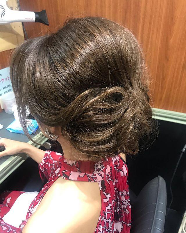 盛り髪のアップヘア️ #銀座#銀座美容室 #銀座セットサロン#セットサロン#美容室#hairstyle #hairstyles #hair #hairarrange #ginza #銀座ホステス#ホステス#パーティードレス #パーティ #パーティーヘア #お客様#アップヘア #美容師 #ヘアセット - from Instagram