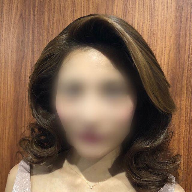 銀座らしいゴージャスなダウンスタイル!カーラーとブロー仕上げです。#hairstyle #hairarrange #ヘアアレンジ #銀座 #並木通り #銀座ホステス #銀座高級クラブ #ginza #ヘアセット #ヘアセット専門店 #銀座美容室 #スター美容室 #銀座ホステス#銀座ヘアセットサロン#スター美容室 #ダウンスタイル #ヘアアレンジ #ドレス #ドレスヘアー #巻き下ろし#銀座 #銀座八丁目 #銀座8丁目 #並木通り #銀座ホステス #銀座クラブ #銀座ヘアセット #銀座ヘアサロン #銀座美容院 #セットサロン #ヘアセット専門店 #美容室 #カーラー #カーラー巻き#パーティーヘア #パーティードレス #ゴージャス巻き - from Instagram